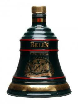 Bell's Christmas 1994 / 8 Year Old Blended Scotch Whisky