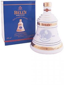 Bell's Christmas 2001 / 8 Year Old Blended Scotch Whisky