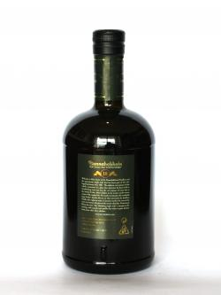 A photo of the back side of a bottle of Bunnahabhain 18 year