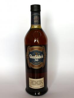 A photo of the frontal side of a bottle of Glenfiddich 30 year
