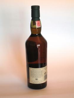 A photo of the back side of a bottle of Lagavulin 16 year
