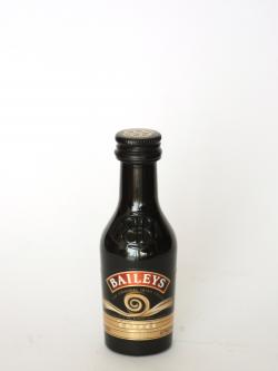 Baileys With a Hint of Coffee Front side