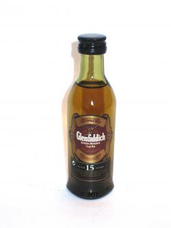 A photo of the frontal side of a bottle of Glenfiddich 15 year Solera Reserve