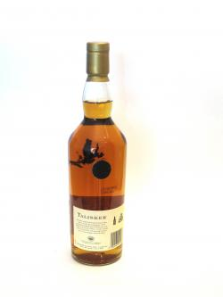 A photo of the back side of a bottle of Talisker 175th Anniversary