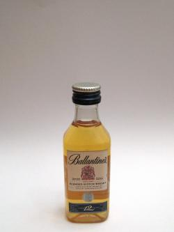 Ballantine's 12 year Front side
