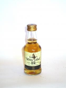 Dewar's White Label 12 year Front side